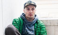 Versonnen. Ivo Dimchev spielte zuletzt mit dem Motiv der Heilung. / Bild: Christine Ebenthal