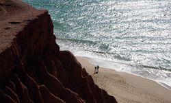 Ein Spaziergang am Strand von Albufeira Ein Spaziergang am Strand von AlbufeiraEin Spaziergang am Strand von Albufeira Ein Spaziergang am Strand von Albufeira / Bild: Imago