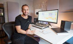 DJ und Produzent Rene Rodrigezz in seinem Studio in Linz. / Bild: (c) Hermann Wakolbinger