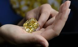 Der gelbe Rekorddiamant / Bild: APA/EPA (MARTIAL TREZZINI)