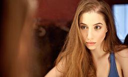 Woman portrait PUBLICATIONxINxGERxSUIxAUTxONLY Copyright / Bild: (c) imago/BE&W (imago stock&people)