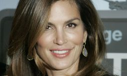 Model Cindy Crawford arrives at the premiere of the film ´Up In The Air´ in Los Angeles / Bild: (c) REUTERS (FRED PROUSER)