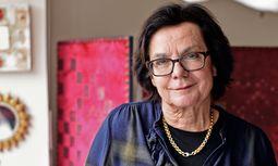 Ingrid Sommer-Prager.  In ihrem Atelier in Wien-Döbling gestaltet sie Paravents.  / Bild: (c) Norbert Philipp