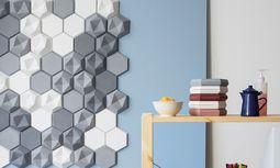 Edgy-Tiles. Die Betonfliesen zeichnen plastische Bilder an die Wand, von Kaza Concrete; www.kazaconcrete.com / Bild: (c) Maximilian Ortner