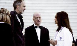 """Staraufgebot. Anton Corbijn (l.) am Set mit der """"Miss Dior""""-Protagonistin Natalie Portman. / Bild: (c) Beigestellt"""