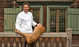 Erfahren. Der Koch Thorsten Probost verarbeitet das ganze Tier. / Bild: (c) Johannes Fink