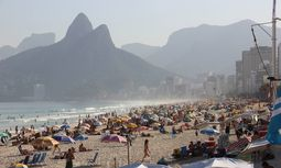 Rio 2016 Strandleben in Rio de Janeiro Bilder des Tages Rio de Janeiro has crowded beaches in the h / Bild: (c) imago/Fotoarena (imago stock&people)