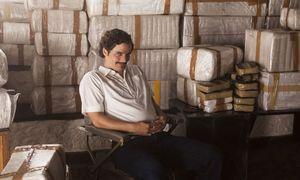 Was spielt sich hinter der Fassade ab? Wagner Moura als Drogenboss Pablo Escobar. / Bild: (c) Netflix