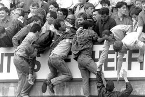 Massenpanik im Hillsborough-Stadion.
