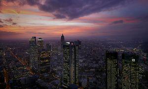 Dunkle Wolken über Frankfurt / Bild: (c) REUTERS (Kai Pfaffenbach)