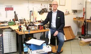 Der Osttiroler Werner Tomasi ging mit seiner Flötenwerkstatt in die Welt hinaus. ? / Bild: (c) Stanislav Jenis