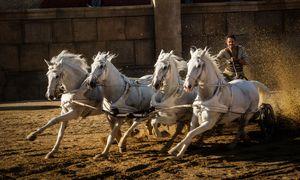 Kein Vergleich zum Original – und nicht nur wegen der Technik: Jack Huston als Ben Hur beim Wagenrennen. / Bild: (c) 2016 Paramount Pictures and Metro-Goldwyn-Mayer Pictures Inc.