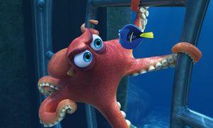 """Oktopus Hank hat ein Tentakel verloren, ist daher nur mehr ein """"Septopus"""". Er beschützt Dorie, hat aber auch viel Ärger mit der quirligen Fischdame. / Bild: (c) Pixar"""