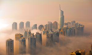 Unwirklicher Überblick. Der Standort Dubais ist nicht der logischste für eine Stadt. / Bild: (c) Dubai Tourism