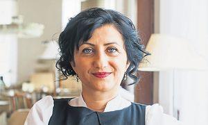 """""""Ich fürchte, die Todesstrafe in der Türkei wird kommen"""", sagt die Autorin Seher Çakir. / Bild: Christine Pichler"""