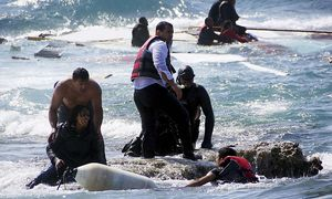 Migrants, who are trying to reach Greece, are rescued by members of the Greek Coast guard and locals near the coast of the southeastern island of Rhodes / Bild: (c) REUTERS (EUROKINISSI)