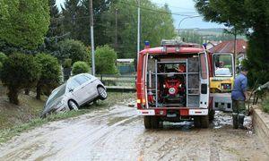 1000 Feuerwehrleute im Einsatz, hier in Hollabrunn. / Bild: (c) APA (BFKDO Hollabrunn)