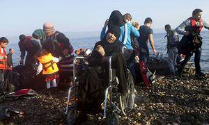 Ankunft auf Lesbos. Die Meerenge zwischen der Türkei und den griechischen Inseln ist für viele Flüchtlinge der Weg nach Europa. / Bild: (c) AFP