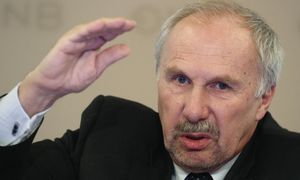 ECB Governing Council member Nowotny addresses a news conference in Vienna / Bild: (c) REUTERS (HEINZ-PETER BADER)