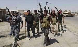 Irakische Sicherheitskräfte und Angehörige einer Stammesmiliz auf gemeinsamer Patrouille / Bild: REUTERS