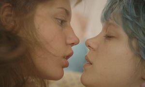 ''La vie d'Adèle chaiptre 1 + 2'' mit Léa Seydoux und der als Entdeckung gefeierten Adèle Exarchopoulus (links) / Bild: (c) Cannes