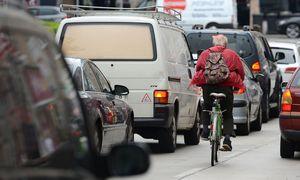 Radfahrer / Bild: APA/HELMUT FOHRINGER