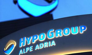 The logo of Austrian Hypo Group Alpe Adria is pictured at its headquarters during snowfall in Klagenfurt / Bild: (c) REUTERS (HEINZ-PETER BADER)