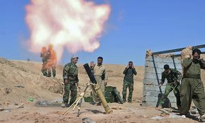 Kurdische Peshmerga aus dem Irak sollen nun den bedrängten Kurden Kobanes helfen / Bild: REUTERS