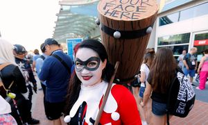 An attendee dressed as Harley Quinn arrives for opening day of the annual Comic-Con International in San Diego, California / Bild: (c) REUTERS (MIKE BLAKE)