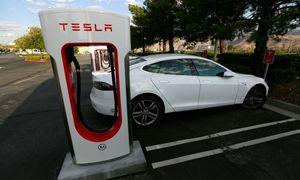 Tesla rüstet Spitzenmodelle auf / Bild: REUTERS