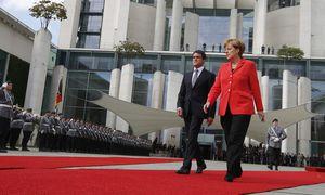 Valls/ Merkel  / Bild: (c) REUTERS (FABRIZIO BENSCH)
