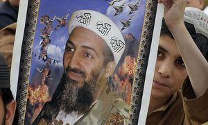 Bild des getöteten al-Qaida-Chefs Osama Bin Laden / Bild: APA/AFP/BANARAS KHAN