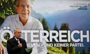 Wahlplakat von Van der Bellen für die Stichwahl am 4. Dezember  / Bild: REUTERS