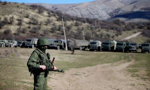 ITAR TASS CRIMEA UKRAINE MARCH 3 2014 Military vehicles at Ukrainian naval base in Perevalnoe / Bild: imago/ITAR-TASS