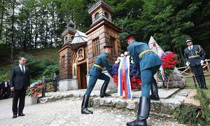 Russische Kranzniederlegung in Slowenien. / Bild: (c) Imago