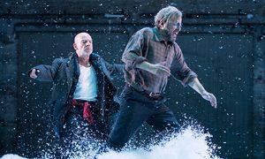 Roland Koch und Martin Wuttke / Bild: APA/GEORG HOCHMUTH