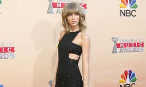 Singer Taylor Swift poses at the 2015 iHeartRadio Music Awards in Los Angeles / Bild: (c) REUTERS (DANNY MOLOSHOK)