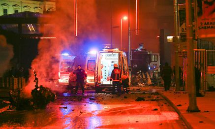 Police arrive at the site of an explosion in central Istanbul / Bild: (c) REUTERS (MURAD SEZER)