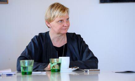 Händeschütteln gehört zur Integration, sagt Sandra Frauenberger. / Bild: (c) Die Presse (Clemens Fabry)