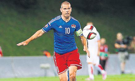 Mario Frick ist nicht nur Liechtensteins Kapitän, der 40-Jährige ist auch der Evergreen des Teams. / Bild: (c) Imago