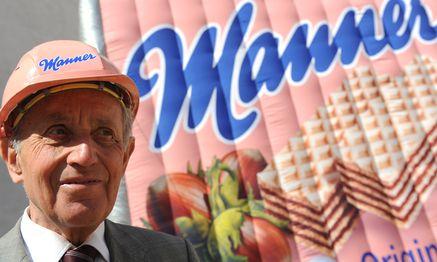 Die Welt in Rosa: Der 85-jährige Carl Manner feiert 125 Jahre Manner. / Bild: (c) APA