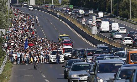 Ein friedlicher Marsch Richtung Westen / Bild: REUTERS