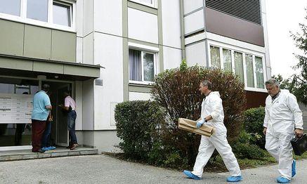 Spurensicherer am Tatort  / Bild: APA/GERT EGGENBERGER