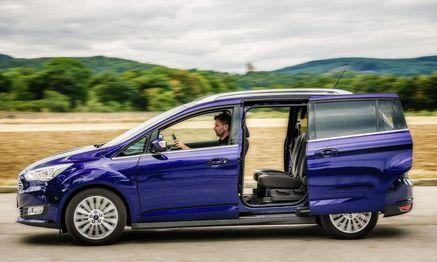 Auf dem Feld des Kompaktvans eine überragende Größe: Ford Grand C-Max, hier gerade auf Durchzug geschaltet. / Bild: (c) Juergen Skarwan