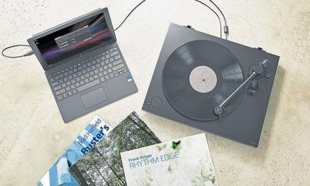 Plattenspieler, die über USB High-Res- Daten liefern, sollen den vollen Reiz des Vinyls in die digitale Welt übertragen. / Bild: Sony