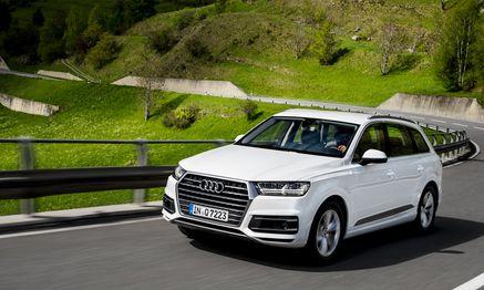 Tarnt seine Größe geschickt: die neue Generation des Audi Q7. / Bild: (c) Werk