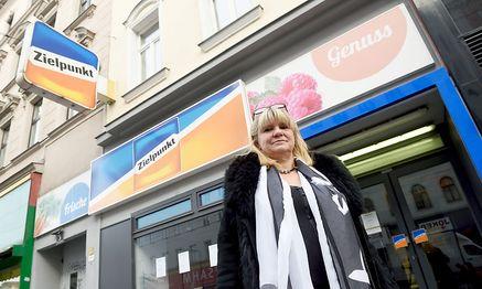 Manuela Atanelov ist Geschäftsführerin der Ramas WarenhandelsgmbH, die künftig die Zielpunktfilialen betreibt.  / Bild: Die Presse (Clemens Fabry)