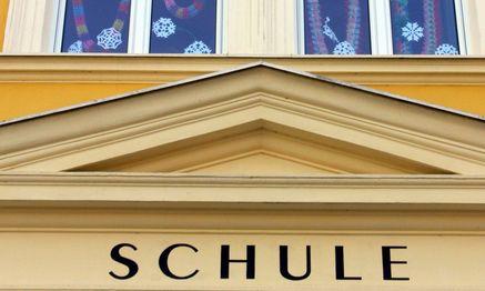 Schulgebaeude - school building / Bild: (c) www.BilderBox