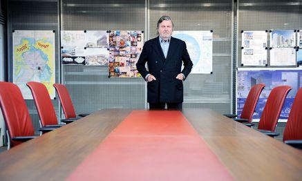 Heinz Neumann in einem Besprechungsraum im Keller seines Büros in der Muthgasse in Wien Döbling.  / Bild: (c) Die Presse (Clemens Fabry)