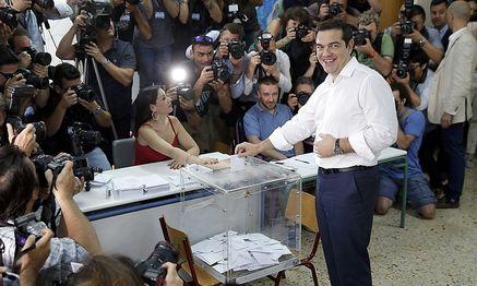 """Alexis Tsipras stimmte beim Referendum für ein """"Nein"""". / Bild: REUTERS"""